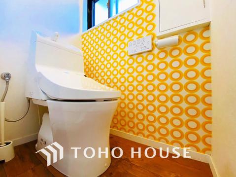 全てのトイレに快適な温水洗浄便座付。小窓を設けることで、換気性もあります