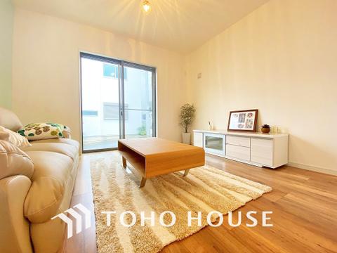 床暖房付きぽかぽか空間。約20帖の広さと開放感のあるリビング・ダイニング
