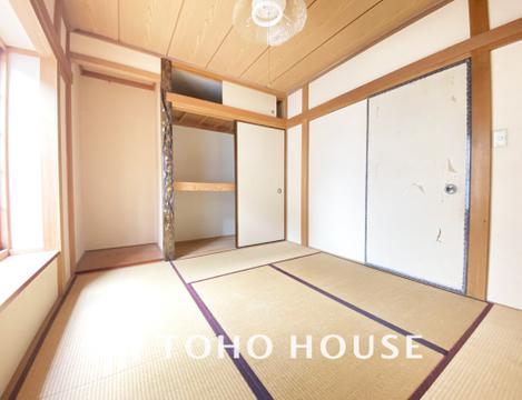 和室にも押入れ収納があり、お荷物をスッキリしまうことができます