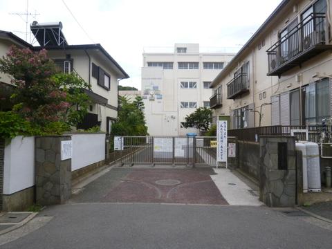 師岡小学校 1100m