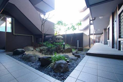 風情の感じられる中庭が素敵です