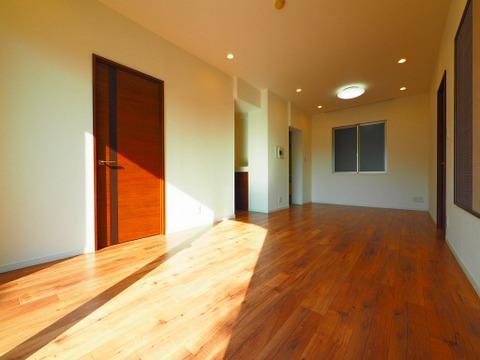 リビングから直接居室に繋がっていることでコミュニケーションが取りやすい設計