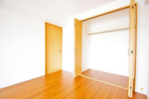 洋室約7.5帖収納スペース