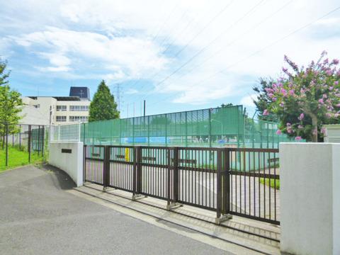 横浜市立美しが丘東小学校 距離850m
