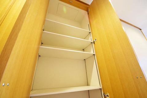 廊下部分や各室に収納が充実で整理整頓しやすい造りです