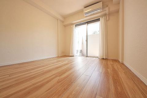全居室テラスに面する明るいお部屋です