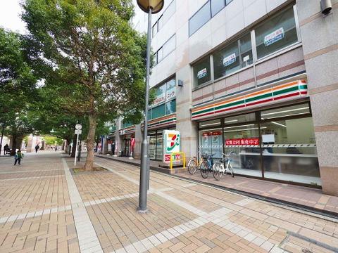 セブン‐イレブン 横浜仲町台駅前店 距離750m