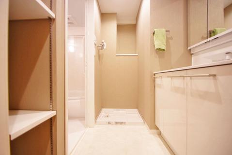 リネン庫を設けられた洗面所は水回り用品の収納に困りません