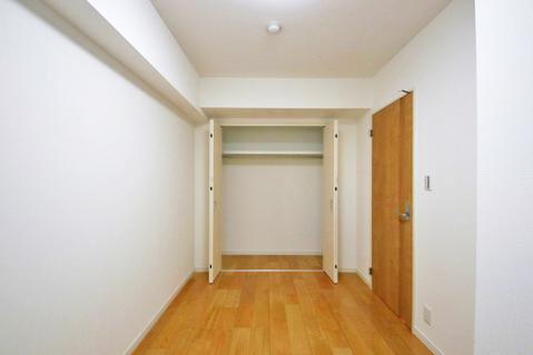 洋室約4.8帖収納スペース