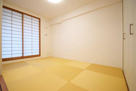 リビング横の和室は、食後のくつろぎスペースにも