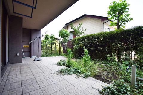 広々とした専用庭はガーデニングやDIYなども楽しめます