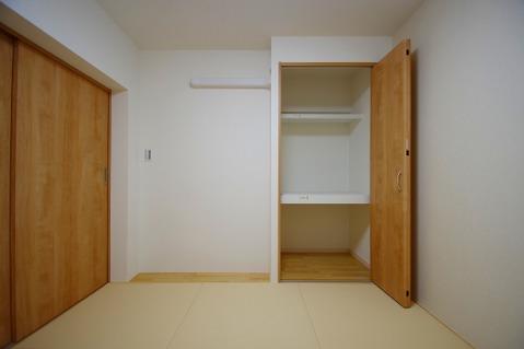 和室約4.7帖収納スペース