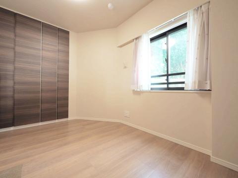 全居室、収納完備の贅沢な造りです!