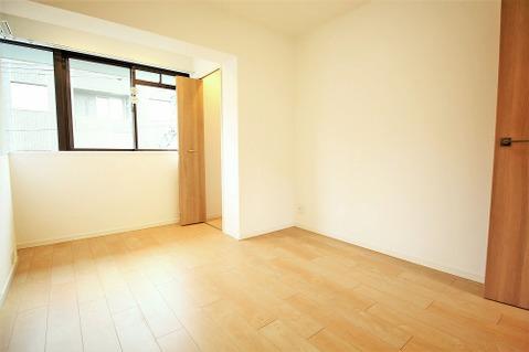 6.1帖洋室 全居室収納完備が嬉しいですね