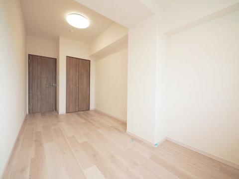 洋室約6.1帖 収納スペース付き