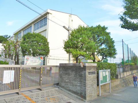 横浜市立藤が丘小学校 距離80m