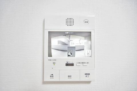 カラーモニター付インターホンで、安心のセキュリティシステム