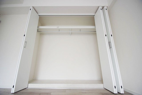 洋室約7.8帖 収納スペース