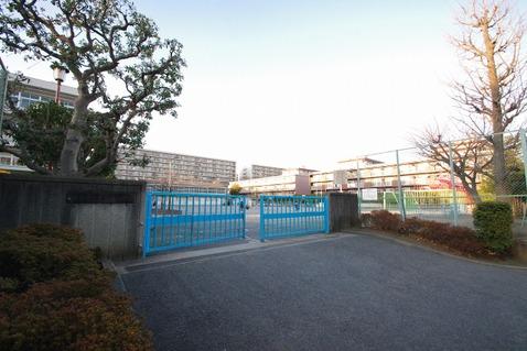横浜市立大豆戸小学校 距離240m