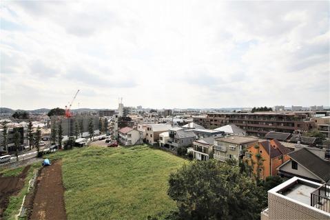 高い建物もないので、バルコニーからの眺望も良好
