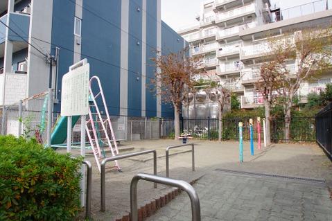 岩戸第二児童遊園 距離600m