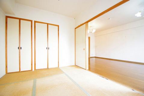 和室約6.0帖 収納スペース付き