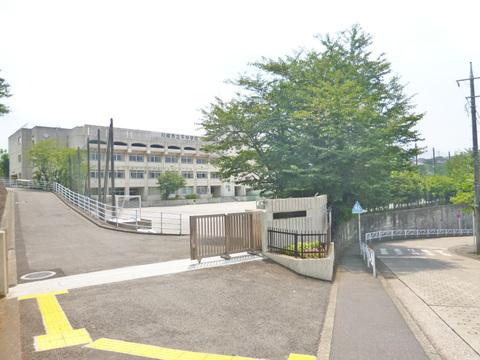 川崎市立平中学校 距離400m