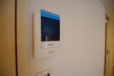 モニター付きインターフォンで安心のセキュリティです