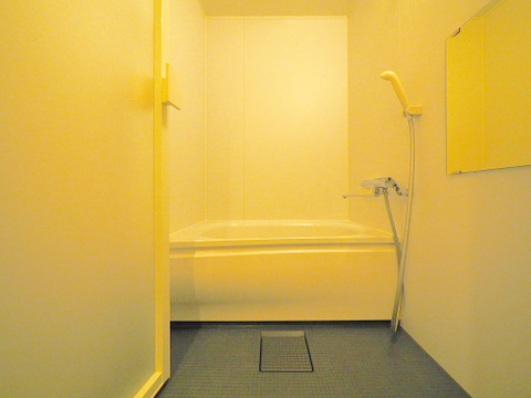 清潔感のある浴室で、一日の疲れを癒す時間を過ごせます