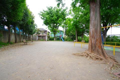 馬絹寺台公園 距離550m