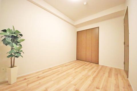 洋室約5.2帖 収納スペース有