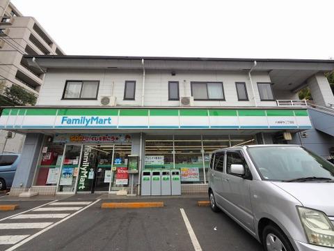 ファミリーマート 川崎新作二丁目店 距離190m