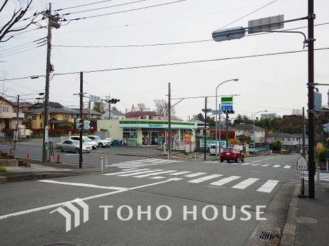 ファミリーマート 都筑加賀原店 距離450m