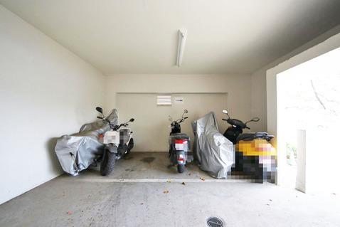 バイク置場の空き状況はご確認ください