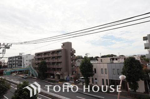 周囲も低層住宅なので、眺望も日当たり住環境も良好