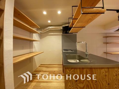 収納スペースが充実しているキッチンはお片付けも楽に
