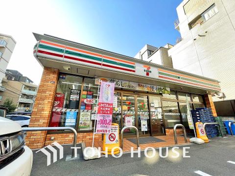 セブンイレブン 原宿外苑店 距離90m