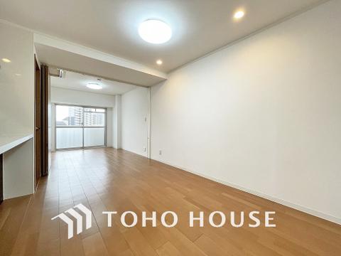 形のきれいなダイニングは、お好きな家具を置いて自分好みの空間に