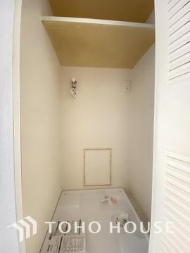 洗濯機置き場は見えない工夫をしており、水回りの導線がスムーズにできるようになっています。