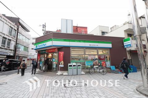 ファミリーマート横浜イセザキモール店 距離400m