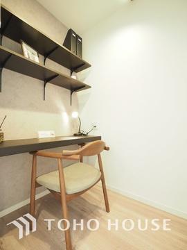 在宅ワークや趣味のお部屋として使用できる便利なスペースです