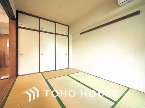 リビング横の和室はお食事後や入浴後のくつろぐ空間に