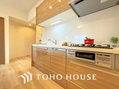 最新のシステムキッチンを採用しております。綺麗な空間で毎日の料理が楽しくなりそうですね!