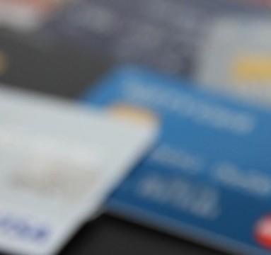 デビットカードのキャッシュアウトサービス解禁へ