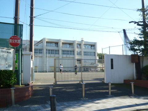 稲荷台小学校 徒歩4分(約270m)