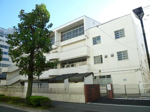 吉田中学校 徒歩25分(約2000m)