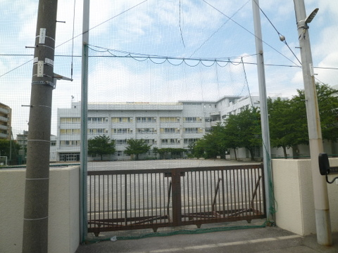 京町小学校 徒歩10分(約750m)