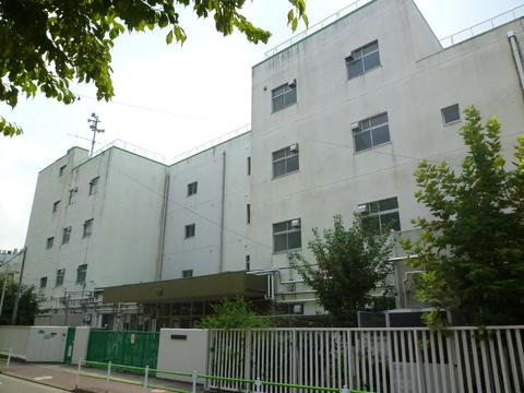 蒲田中学校(現地より約1300m)