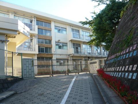 相武山小学校(徒歩13分)
