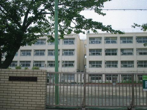 師岡小学校